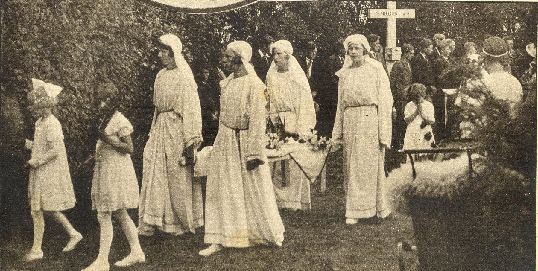 Processie omstreeks 1930.